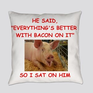 pig humor Everyday Pillow