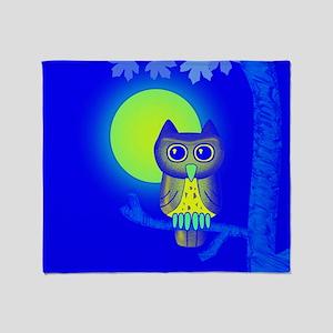 Blue Owl Throw Blanket