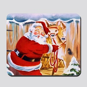 Santa Claus brings his reindeers Mousepad