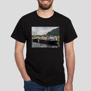 Eagle Inn pub barge, Scotland T-Shirt