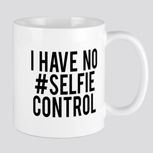 I have no selfie control Mug