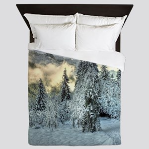 Snow In The Mountains Queen Duvet