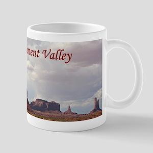 Monument Valley, Utah, USA 3 (caption) Mugs
