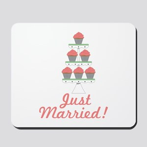 Just Married Cupcakes Mousepad