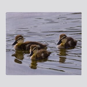 mallard ducklings, Anas platyrhynchos Throw Blanke
