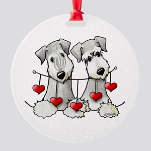 Heartstrings Pocket Ceskies Round Ornament