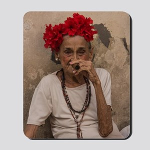 Old lady smoking cuban cigar in Havana Mousepad