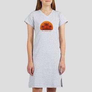 threePalmsLight_StMaarten_10x10 T-Shirt