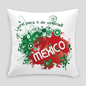 RETRO MEXICO 0 Everyday Pillow