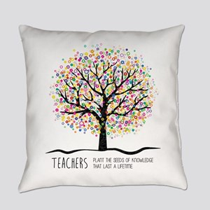 Teacher appreciation quote Everyday Pillow
