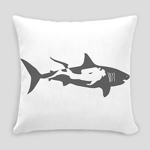 shark scuba diver hai taucher divi Everyday Pillow