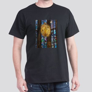 Sculpture Madonna and Child in the octagon T-Shirt