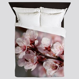 PLUM BLOSSOMS Queen Duvet
