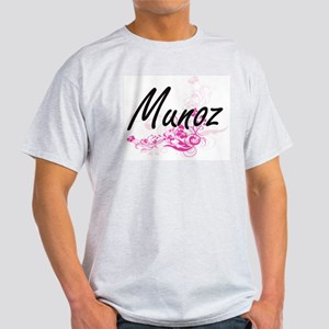 Munoz surname artistic design with Flowers T-Shirt