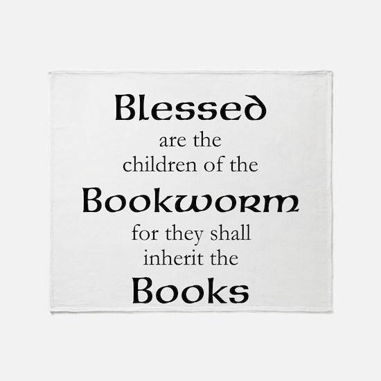 Book worm love Throw Blanket