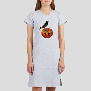 vintage halloween crow pumpkin Women's Nightshirt