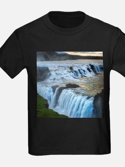 GULLFOSS WATERFALLS 2 T-Shirt