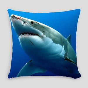 GREAT WHITE SHARK 3 Everyday Pillow
