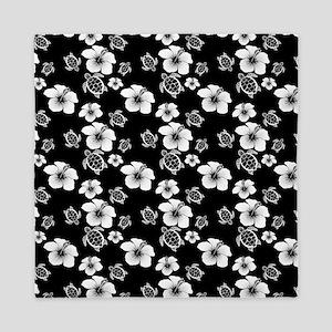 Black And White Hawaiian Pattern Queen Duvet