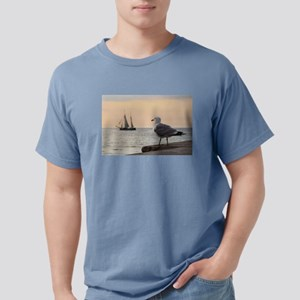 Sea gull and windjammer T-Shirt