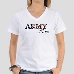 Army Mom (Flag) Women's V-Neck T-Shirt