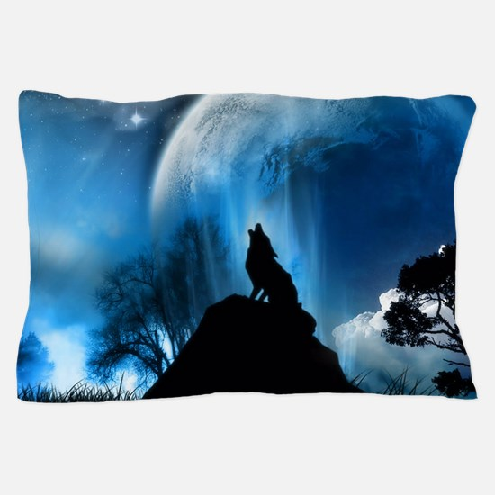 Wolf Howling At The Moon Pillow Case