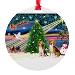 XmasMagic/2 Beagle Round Ornament