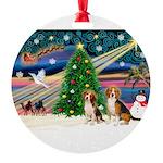 XmasMagic/2 Beagle Round Ornament