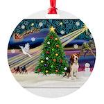 XmasMagic/ Beagle Round Ornament