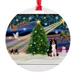 XmasMagic/ Border Collie Round Ornament