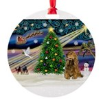 XmasMagic/Cocker (brn) Round Ornament