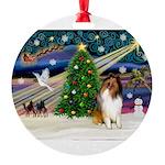 XmasMagic/Collie Round Ornament