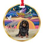 XmasStar/Dachshund LH Round Ornament