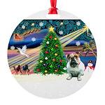 XmasMagic/ English Bulldog Round Ornament