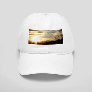 SETTING SUN AT LAKE Cap
