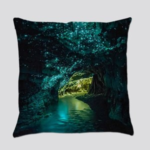 WAITOMO GLOWWORM CAVES Everyday Pillow