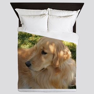 golden retriever grass Queen Duvet