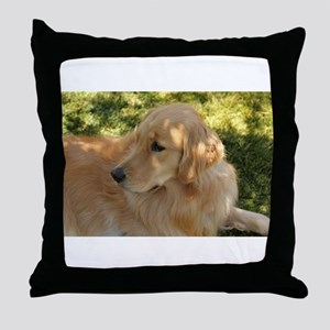 golden retriever grass Throw Pillow