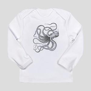 Large nautical steampunk vinta Long Sleeve T-Shirt