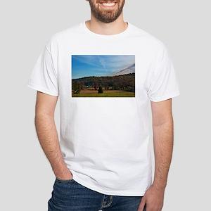 Gettysburg National Park - Farm land - Lit T-Shirt
