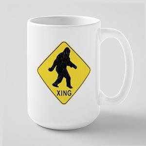 Bigfoot Crossing Sign (vintage look) Mugs