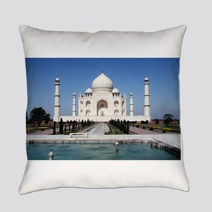 Taj Mahal - Pro photo Everyday Pillow