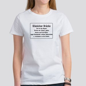 Glienicker Brücke, Cold War Berlin Women's T-Shirt