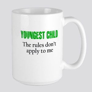 YOUNGEST CHILD (green reverse) Mugs