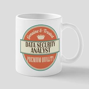 data security analyst vintage logo Mug