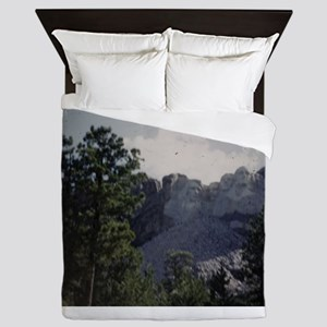 PICT0045 Mount Rushmore behind for Queen Duvet