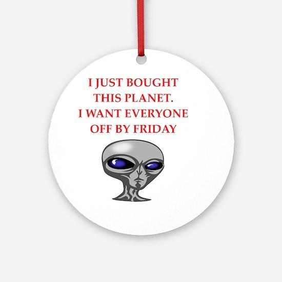 alien invasion Round Ornament