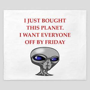 alien invasion King Duvet