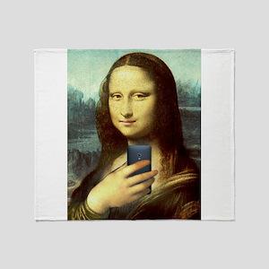Mona Lisa Selfie Throw Blanket