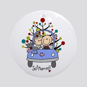 Wedding Couple With Cat Christmas Round Ornament